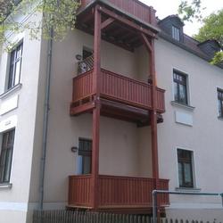Anbau einer Balkonanlage für dreistoeckiges Wohnhaus