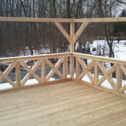 Holzterrasse mit Fachwerk